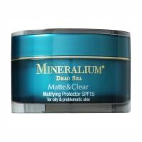 Защитный крем с матирующим эффектом SPF15 для жирной и проблемной кожи Mineralium