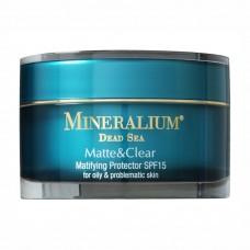 Купить Защитное средство с матовым эффектом SPF15 для жирной и проблемной кожи Mineralium